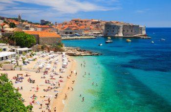 Croatie mer plage touristes